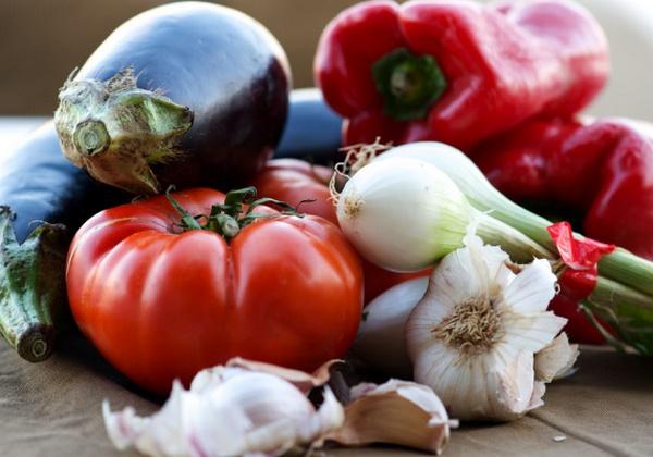 Рецепт вкусных помидоров с баклажанами