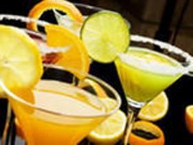 Какие приготовить напитки на новогодний стол