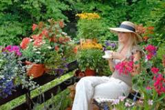 Как сделать на балконе цветущий сад