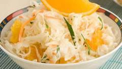 Салат из белокочанной капусты с апельсином