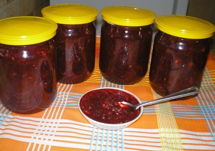 Рецепт вкусного яблочно-брусничного джема