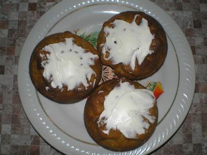 Вкусные тыквенные кексы с творожным кремом