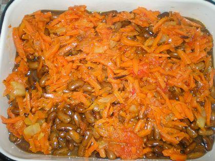 Рецепт фасоли с овощами и мясом в духовке