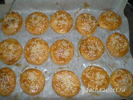 Сырные крекеры с кунжутом