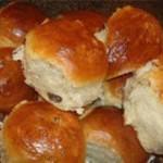 Вкусные булочки с изюмом – постный стол